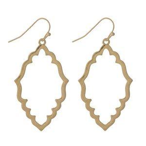 Jewelry - Gold tone earrings